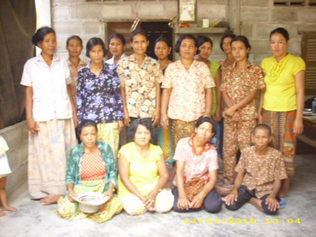 Mrs. Sokhoeun Saing Village Bank Group